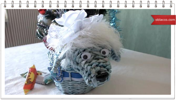 Плетение из газет. Синяя деревянная овечка. Мастер класс