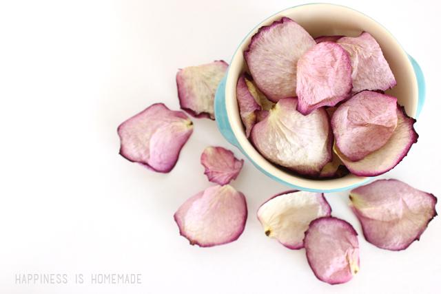 сахарный скраб с лепестками роз