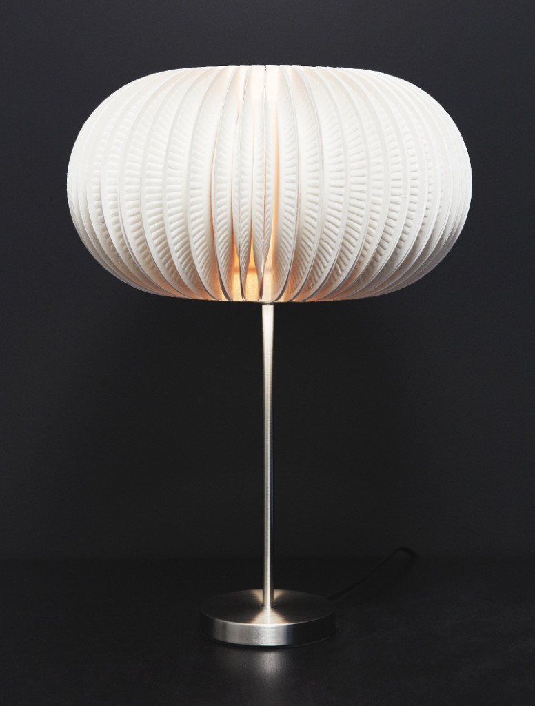 светильник из одноразовых тарелок