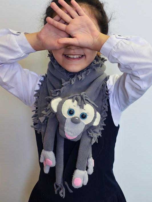 monkey-fleece-scarf