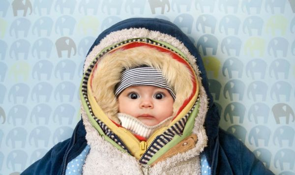 Может ли быть холодно малышу без чепчика