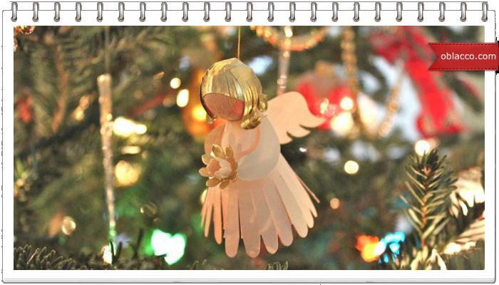 Ангел на елку из газетных трубочек