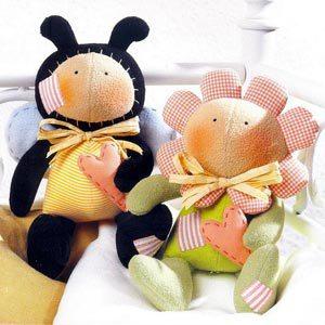 Весенние тильды, пчелка и цветочек