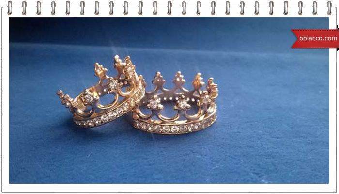 Золотые и серебряные кольца-короны - что лучше выбрать