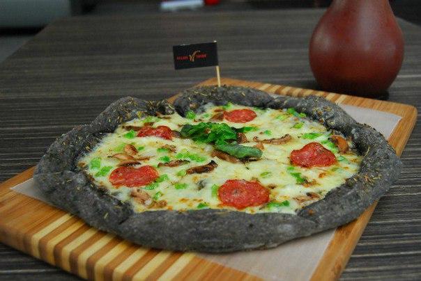 пицца с оригинальной начинкой