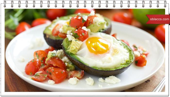 Яичница в авокадо и еще три рецепта с ним