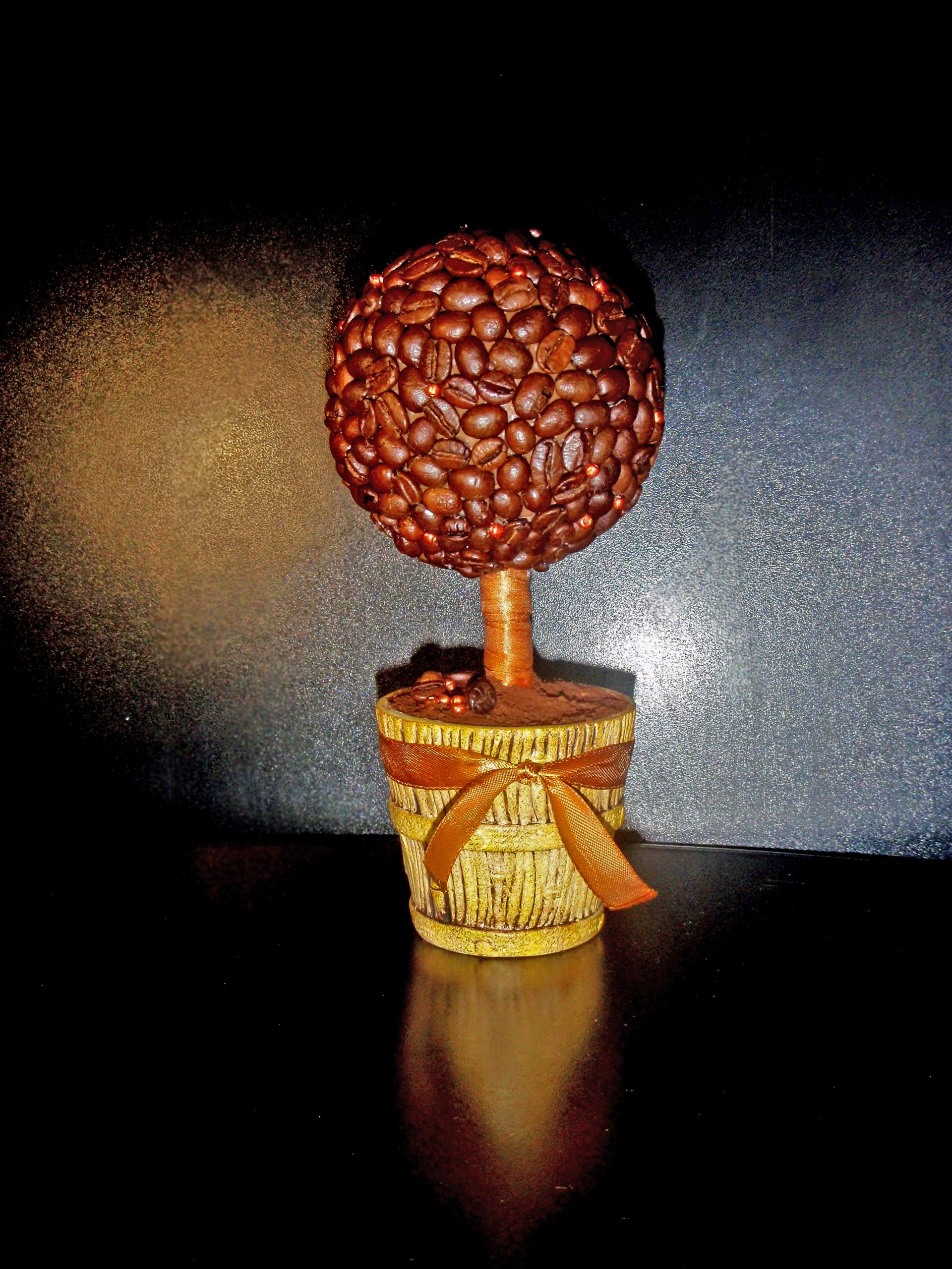 кофейное дерево с бисером