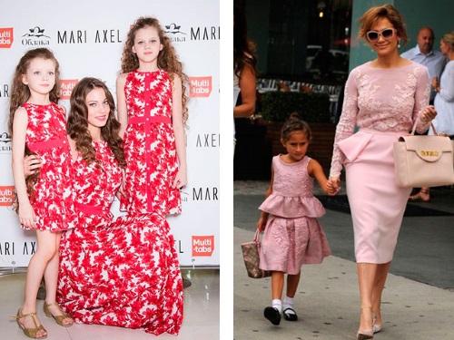 одинаковые платья