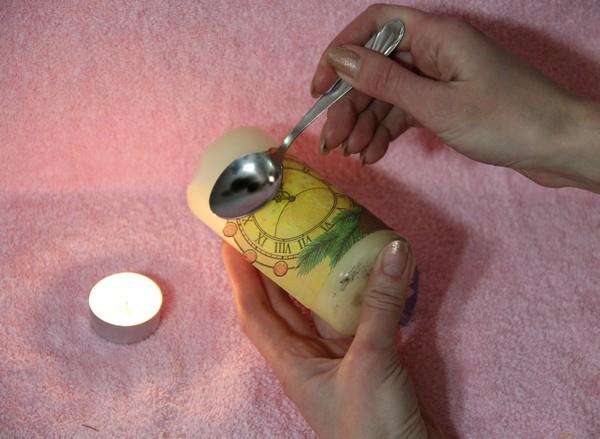 декупаж нвогодней свечи ложкой