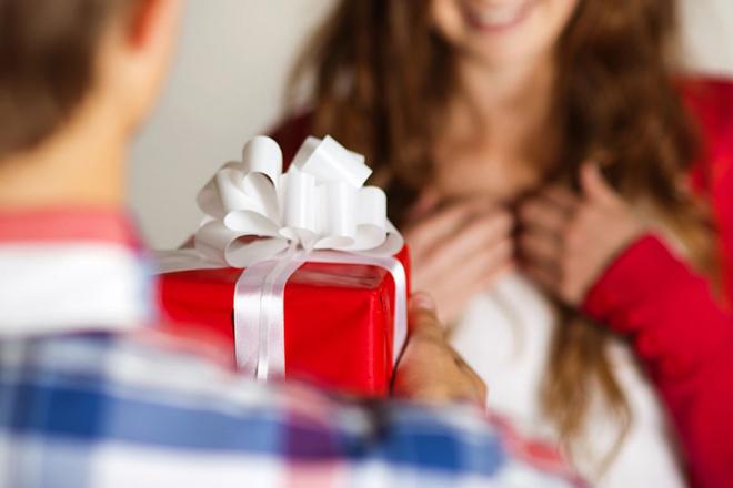 подарок для любимой на 8 марта