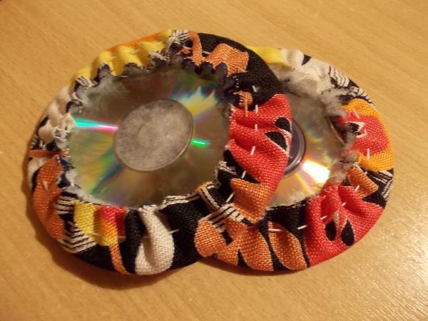 Как сделать из дисков подставку под горячее