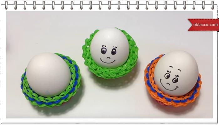 Подставка из резинок для пасхального яйца