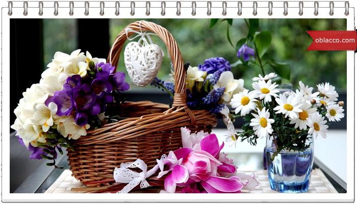 Цветы из бумажных трубочек плюс плетеная вазочка для них