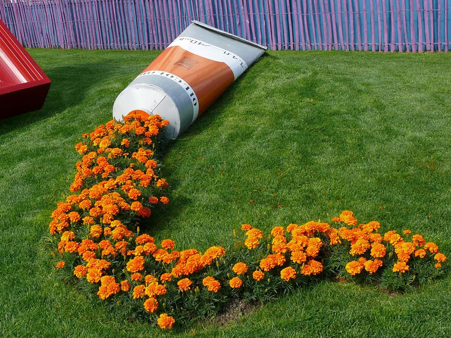 оформление дачи цветами