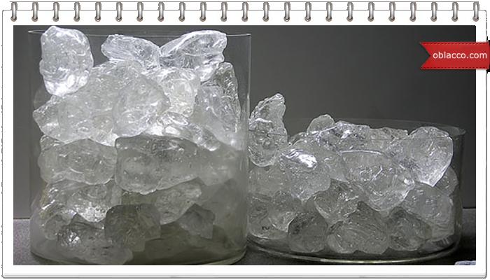 Новогодняя композиция с имитацией колотого льда