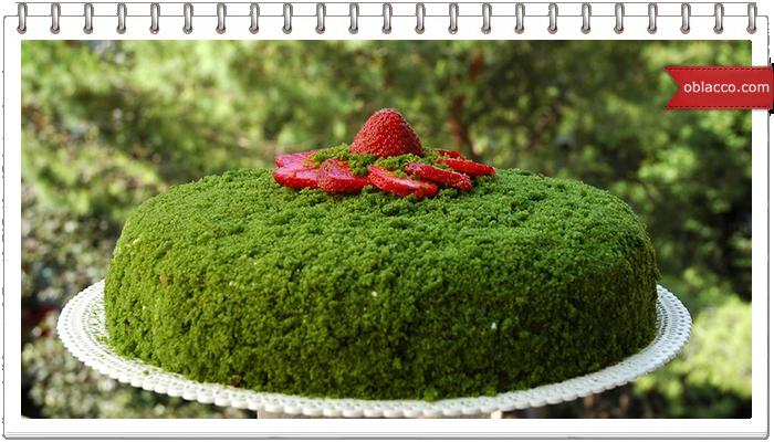Зеленый торт с клубникой