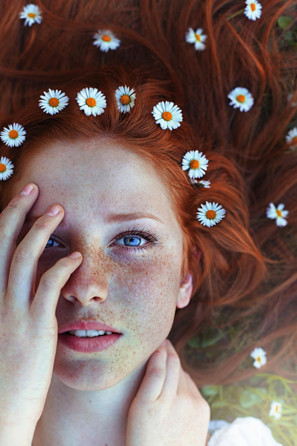 цветы и волосы