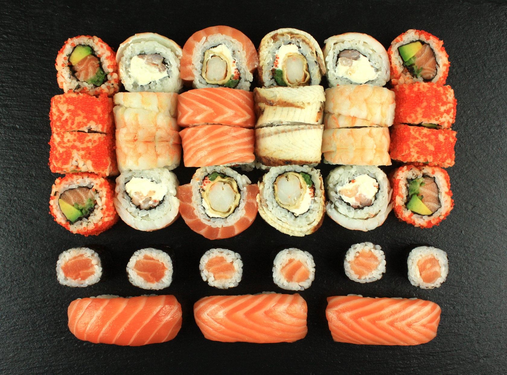 Сет суши и роллы