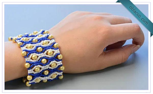 Широкий браслет из бисера и бусин: Пошаговая инструкция
